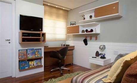 57- Prateleiras para quarto masculino é uma ótima peça para decorar qualquer tipo de ambiente. Fonte: Buildyour