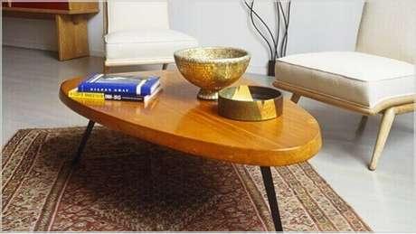 21- O tapete persa com dimensões pequenas é ideal para decorar os cantinhos das salas. Fonte: Westwing