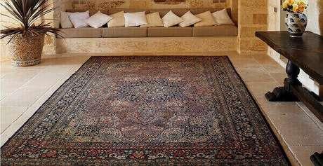 4- Os tapetes persas são versáteis e combinam com diversos tipos de decoração. Fonte: Brandini Decore