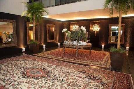 1- O tapete persa é uma peça requintada que pode ser usada na decoração de casas ou eventos. Fonte: Inesquecível Casamento