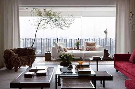 84. Apartamento com varanda espaça com guarda-corpo de alumínio – Foto: Clarissa Strauss