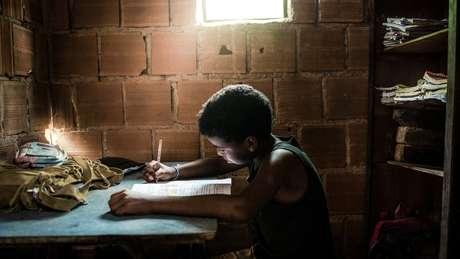 'Estar na escola não é o mesmo que estar aprendendo na escola', alerta Pnud