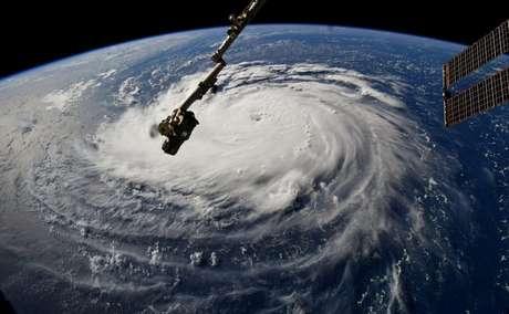 Foto da Nasa mostra o furacão Florence a caminho dos EUA, visto da Estação Espacial Internacional 10/09/2018 NASA/Divulgação via Reuters