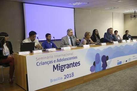 Seminário Crianças e Adolescentes Migrantes