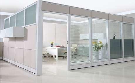 22- A parede de drywall é muito utilizado em espaços corporativos. Fonte: Mix Decor