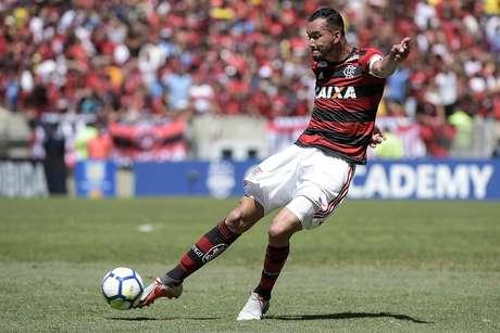 Réver comentou a queda de rendimento de Lucas Paquetá