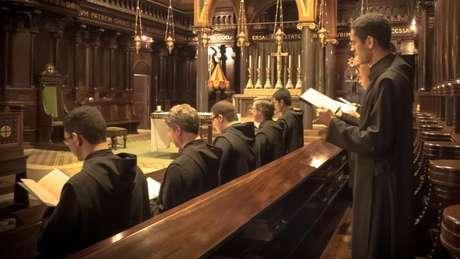 A igreja diz que sacerdotes celibatários tem condições de cumprir melhor suas funções