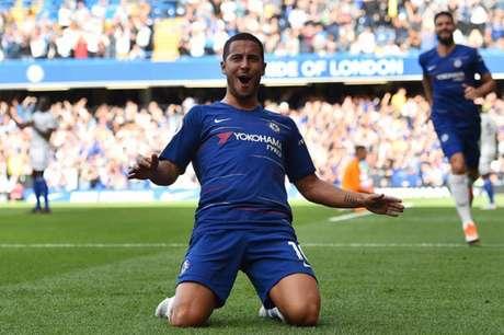 Hazard foi o nome da goleada do Chelsea (Foto: Glyn Kirk / AFP)