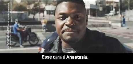 Em clipe da campanha de Antonio Anastasia (PSDB) ao governo de Minas, rapper faz ataques diretos ao governo de Fernando Pimentel (PT)