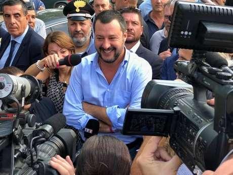 O ministro do Interior da Itália, Matteo Salvini, visita ocupação de imigrantes na província de Macerata
