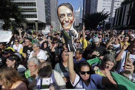 Manifestação em apoio a Bolsonaro na Avenida Paulista, em São Paulo