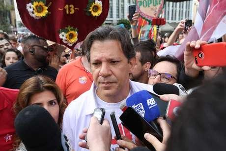 Haddad participou de ato de campanha na Avenida Paulista neste domingo (16)
