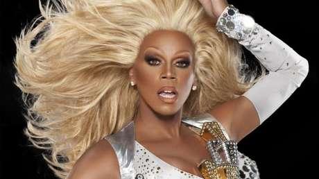 A idolatrada drag RuPaul é uma criação do ator californiano RuPaul Charles, de 57 anos e 1,93m de altura