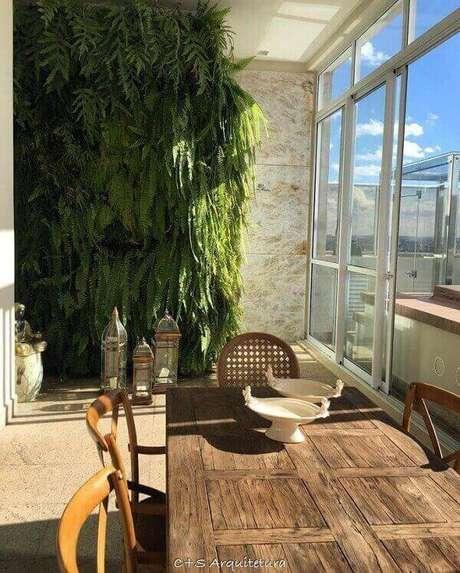 14- A samambaia é ideal para jardins verticais. Fonte: C+S Arquitetura