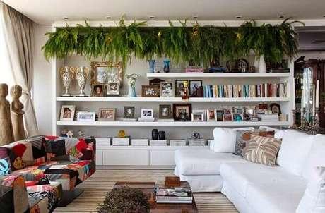 2- Na decoração moderna, a samambaia completa a decoração. Fonte: Studio Lab Decor
