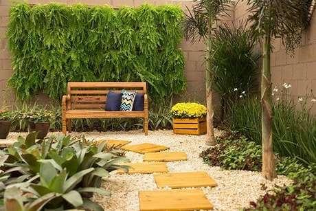 55- O jardim vertical na área de lazer tem como base a planta samambaia. Fonte: Pinterest