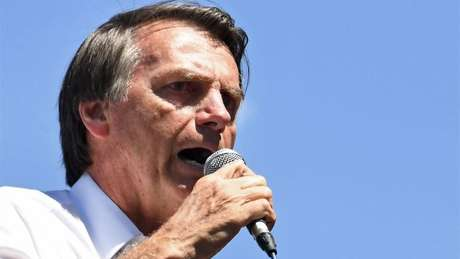 Bolsonaro tem 33% das intenções