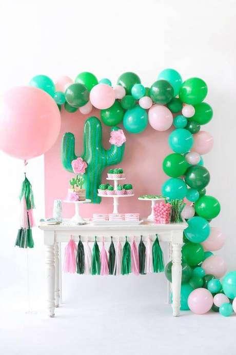 5. Escolha cores que te agradem e fiquem bonitas juntas. A combinação das cores da decoração de festa não precisa ser tradicional.