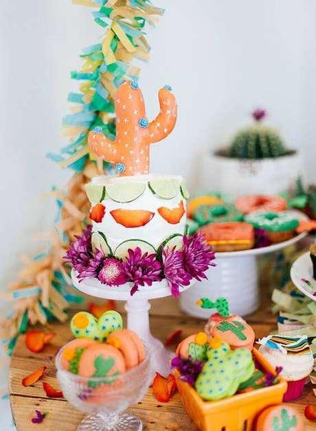 46. Mais uma inspiração de decoração de festa mexicana com muita cor.