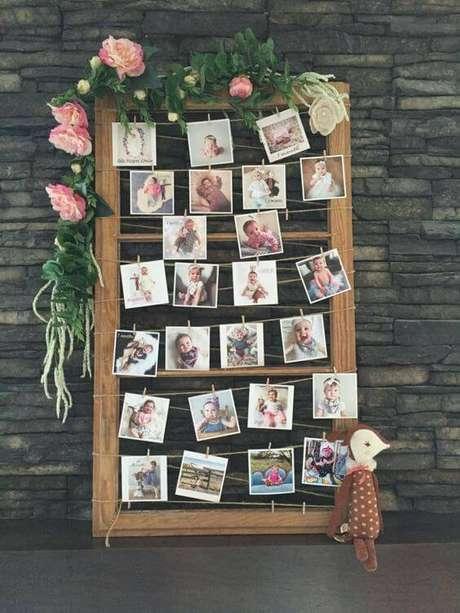 47. Um mural de fotos dos participantes ou do aniversariante é uma ideia criativa de decoração de festa.
