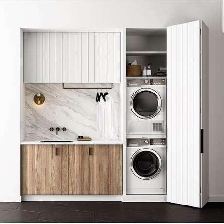 2. Invista em projetos de lavanderia pequena planejada para melhor utilização do espaço compacto – Foto: Pinterest