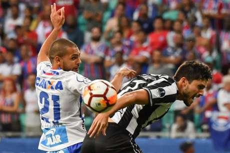 Partida na capital baiana teve chances para as duas equipes (AFP)