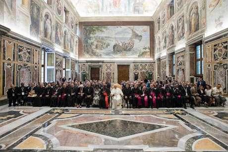 Vaticano e China fecham acordo sobre nomeação de bispos