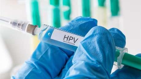 Em 2008, a OMS aprovou a vacina contra o HPV, que, segundo a organização, reduziria em 70% a infecção causadora do câncer do colo do útero
