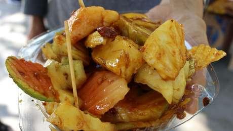 O cajá-manga é consumido na Ásia em saladas de frutas, mas também está presente no Nordeste brasileiro
