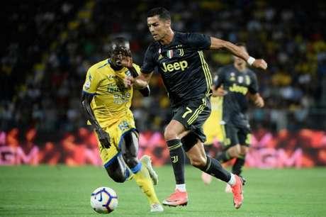 Juventus sofre, mas Cristiano Ronaldo garante a vitória sobre o Frosinone (Foto: FILIPPO MONTEFORTE / AFP)
