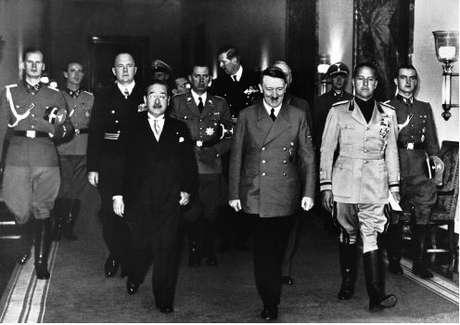 Ministro japonês, Hitler e o conde Ciano