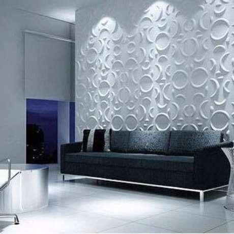 14. Parede com acabamento de gesso 3D atrás do sofá. Foto de Gutemberg de Souza Bomfim