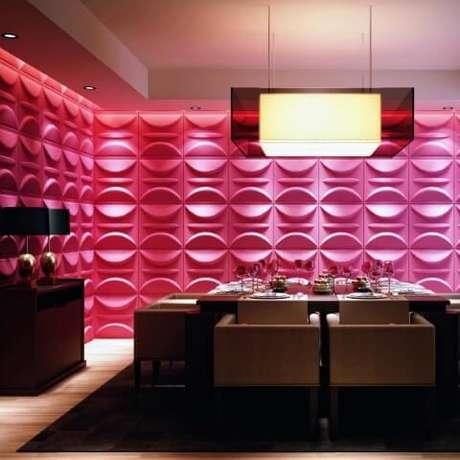 5. Paredes de gesso 3D cor de rosa em sala de jantar. Foto de Otimizi Ambientes