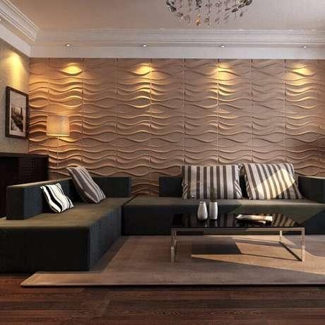 21. Sala de estar com parede de gesso 3D em tom de bege. Foto de Alibaba