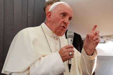 Papa Francisco fala com a mídia no avião  25/9/2018   REUTERS/Max Rossi