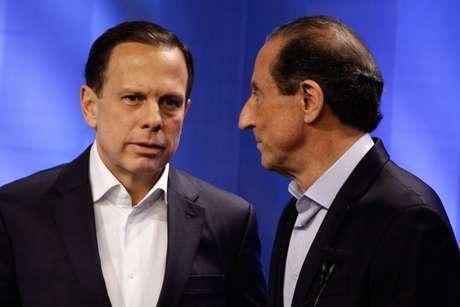 João Doria e Paulo Skaf conversam durante debate