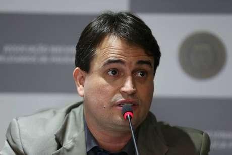 Delegado Rodrigo Teixeira diz que apuração da PF é isenta
