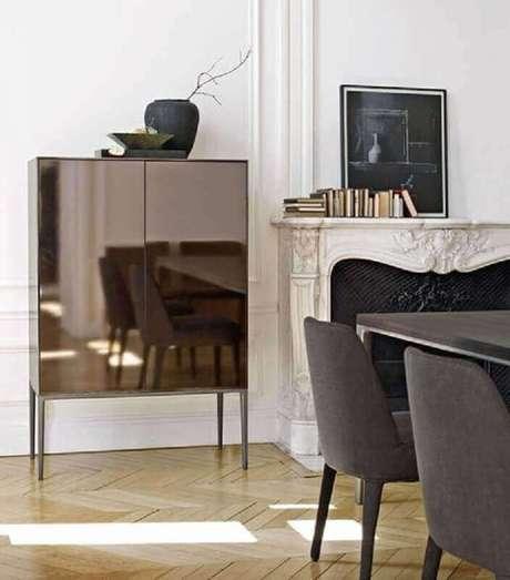 17. Modelo de buffet espelhado bronze – Foto: Pinterest