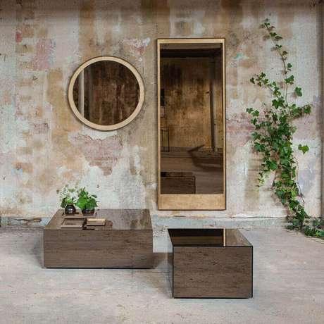 45. O espelho de bronze é perfeito para decoração de ambientes rústicos – Foto: Amara