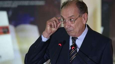 Para Aloysio Nunes, o candidato Jair Bolsonaro 'joga de acordo com as regras da democracia'