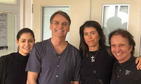 Jair Bolsonaro recebeu visita do ex-piloto de Fórmula 1 Emerson Fittipaldi