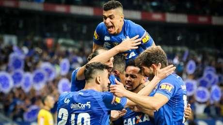 Cruzeiro segura 1 a 1 com o Palmeiras e avança à decisão da Copa do ... b3d6d66673b85