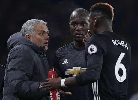 Relação entre os dois pilares do time segue estremecida (Foto: ADRIAN DENNIS / AFP)