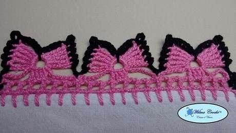 67. Bico de crochê com desenho de de borboletas. Foto de Wilma Crochê