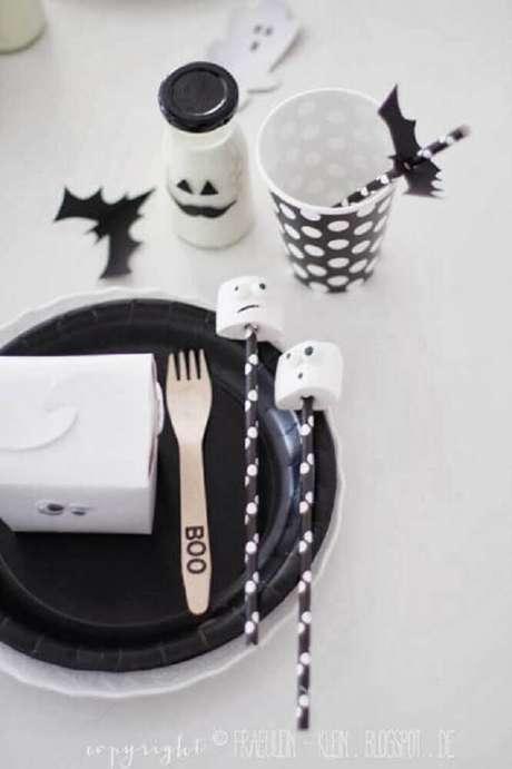 38. Decoração para mesa de dia das bruxas – Foto: Party Princess