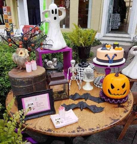 66. O Jack O' Lantern é sempre presença garantida na decoração de Halloween – Foto: Cakes da Fê