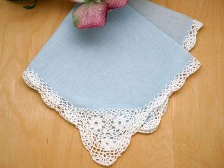 2. Aprendendo a fazer bico de crochê simples você pode chegar a modelos mais detalhados como esse. Foto de Bumblebee Linens
