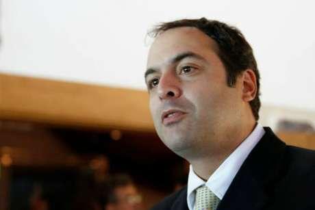 Paulo Câmara (PSB), continua liderando a disputa eleitoral em Pernambuco.