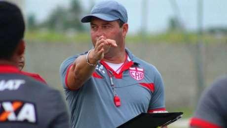 Roberto Fernandes, técnico do CRB