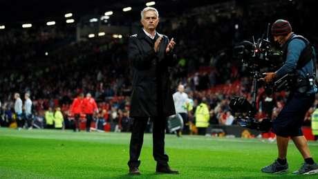 José Mourinho segue pressionado (Foto: Divulgação/Premier League)